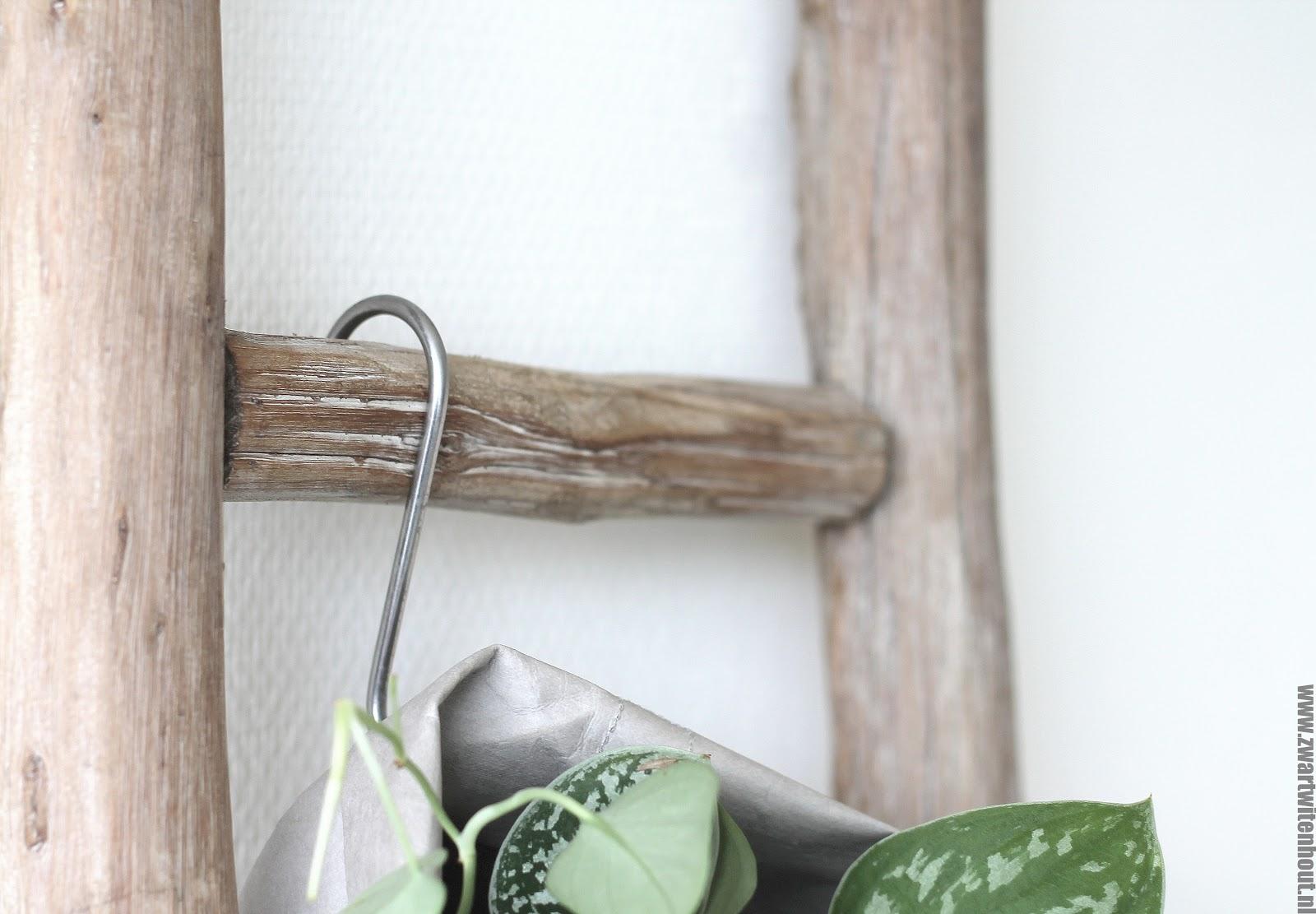 Decoratie Ladder Badkamer : Decoratieve houten ladder