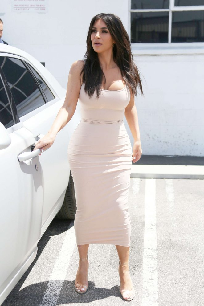 Kim Kardashian Leaving the studio in Van Nuys