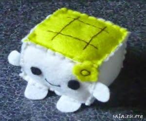 Making Tofu Dolls From Felt/Flannel Fabric