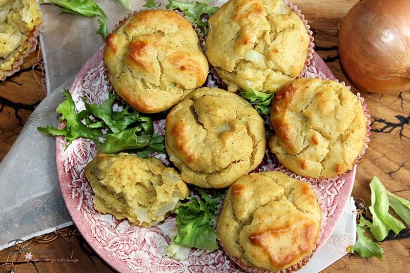 Muffinki kukurydziano-sojowe z cebulą i olejem porowym (bez glutenu)