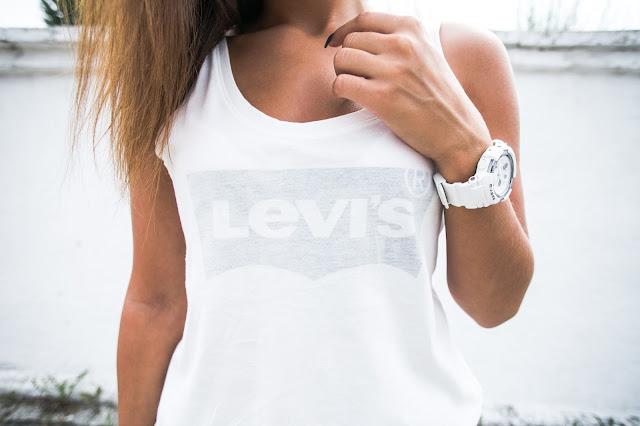 Basic / Levi's - Czytaj więcej