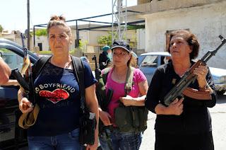 "Milícia de mulheres cristãs promete enviar jihadistas ""direto pro inferno"""