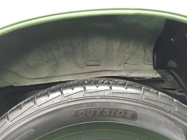 Lòng vè và bánh xe cũng được làm sạch như mới