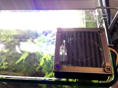 冷却ファン付きアクアリウム用蓋できあがり!
