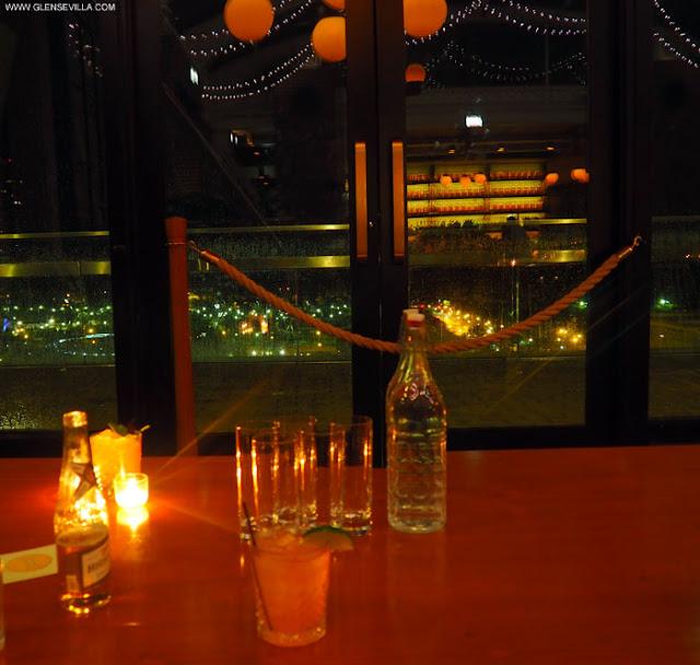 bar; cindys