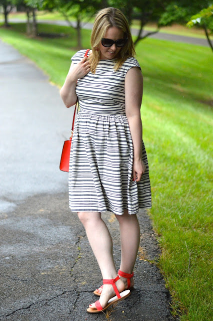 summer-stripe-dress-outfit