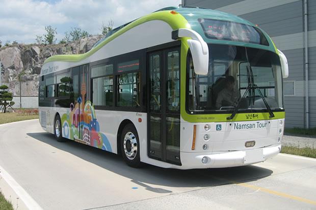 La production des bus électriques au Maroc débutera l'année prochaine.