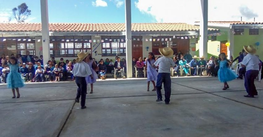 PRONIED entrega tres nuevos colegios de nivel inicial en Cajamarca - www.pronied.gob.pe