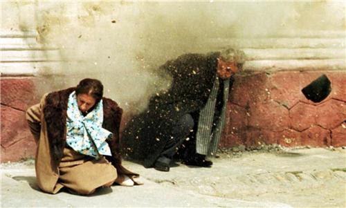 Âm nhạc đánh sập bức tường Berlin?