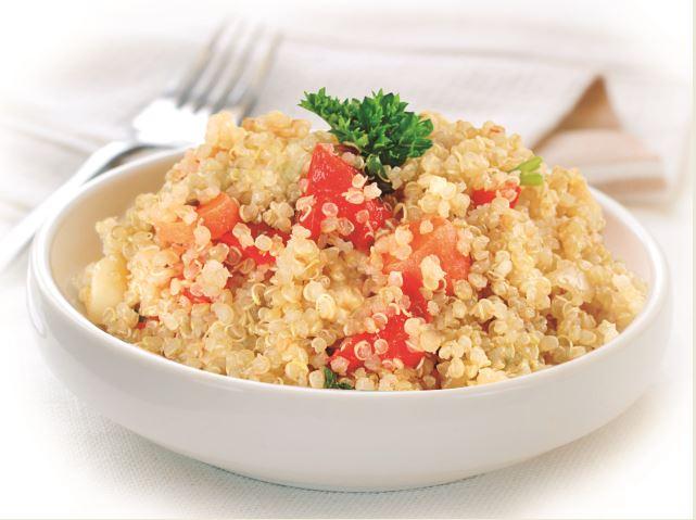 Quinoa no verão: conheça os benefícios do alimento e formas de incluir no cardápio