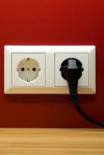 Instalaciones eléctricas residenciales - contacto en pared