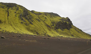 Camino a Landmannalaugar, las Tierras Altas de Islandia, Iceland.