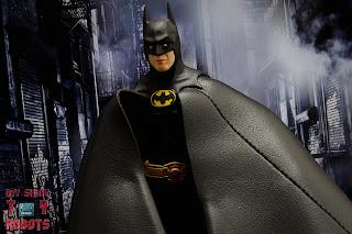 S.H. Figuarts Batman (1989) 14