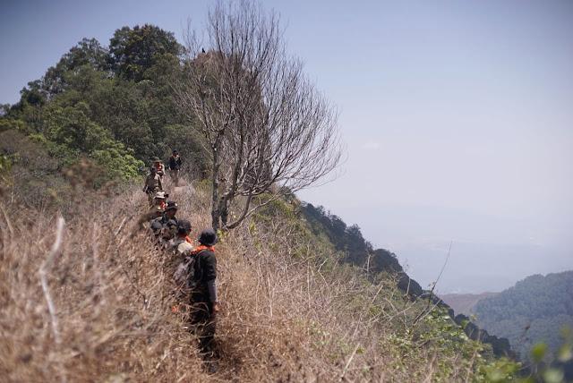 hutan kareumbi saat esar wanadri