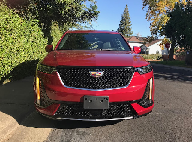 Front view of 2020 Cadillac XT6 Sport AWD
