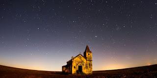 church at night - Photo by sergio souza on Unsplash