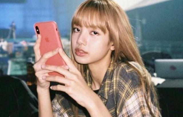lisa blackpink iphone