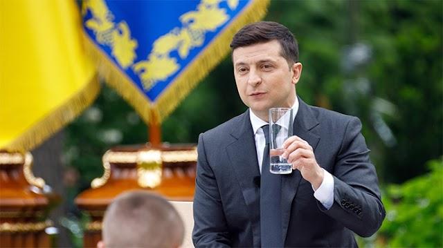 Зеленський пропонує припинити повноваження всіх суддів КСУ: текст законопроєкту
