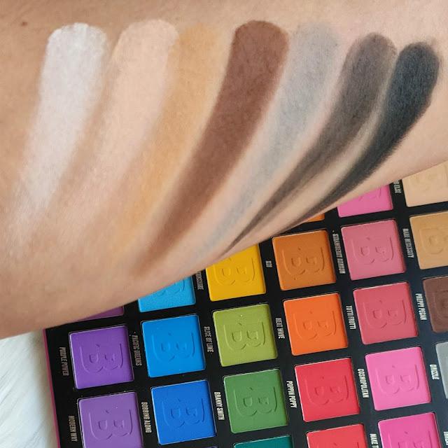 Paleta Brigh Matte de 42 sombras de Beauty Bay 05