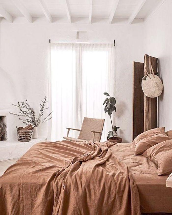 Ropa de cama en tonos tierra