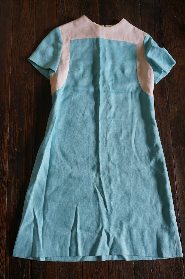 une robe en lin des années 60  60s color block dress 1960s linen mod twiggy