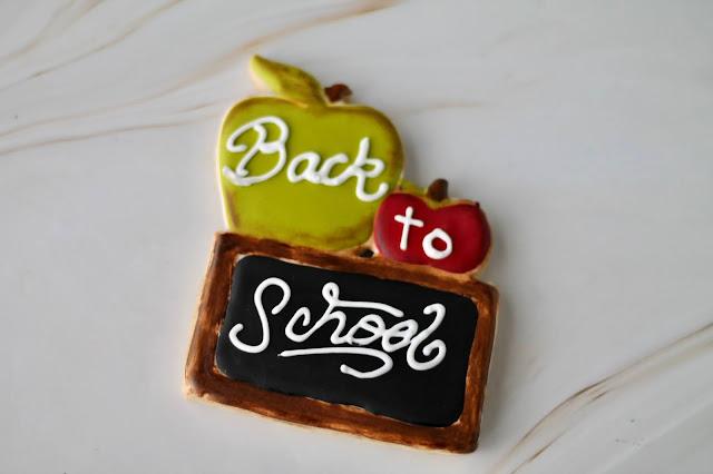 back to school cookies, back to school, back to school cookies ideas, decorated cookies, apple cookies, teacher's cookies, teacher's appreciation gifts, best decorated cookies, the cookie couture