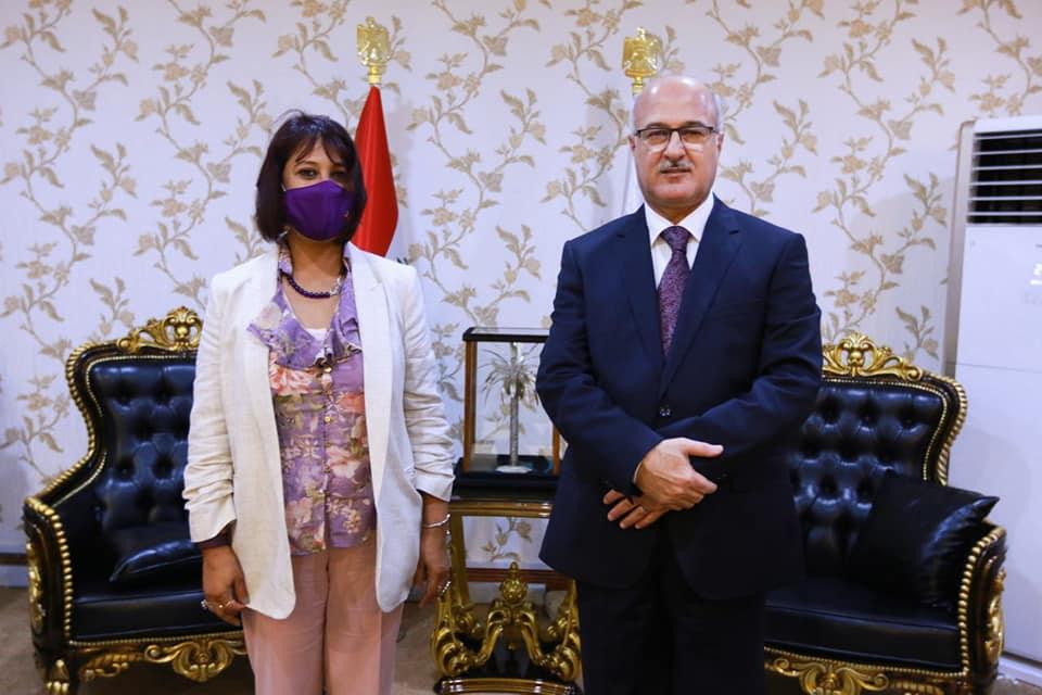 وزير التربية يلتقي ممثلة اليونيسف لدى العراق ويبحث معها دعم الخطة التعليمية وآفاق التعاون المستقبلي 216026635_1849791561896182_8203459495551105020_n