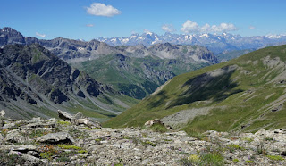 Les Ecrins seen from the ridge to Gland Glaiza