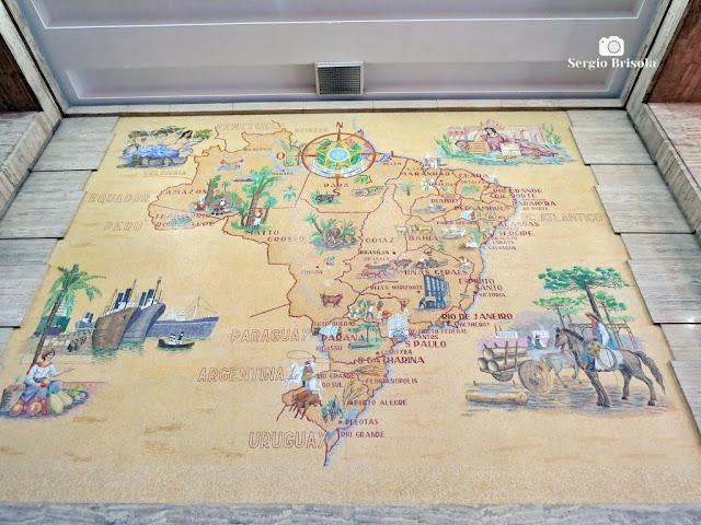 Close-up do antigo Mapa do Brasil exposto no saguão do Edifício Matarazzo - Centro - São Paulo