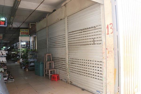 Ảnh hưởng từ Covid-19, hơn một ngàn ki ốt chợ Vinh tạm đóng cửa