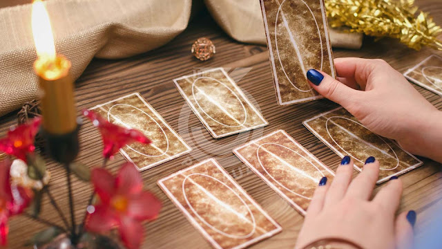 This tarot test will determine your future in the next decade