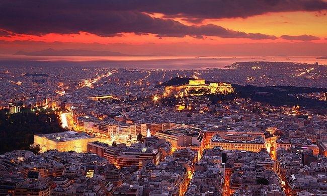 Από μια γιορτή στα βόρεια προάστια μεταδόθηκε ο κορωνοϊός στην κοσμική Αθήνα...