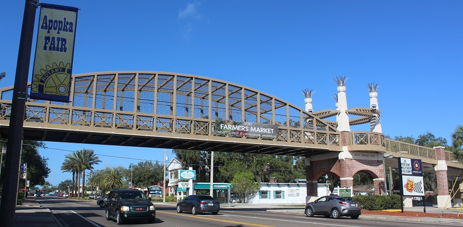 Puente del West Orange Trail sobre la US 441 en Apopka
