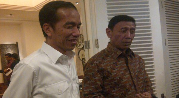 """Wiranto: Pemerintah akan Bubarkan HTI, """"Mengancam Keamanan"""" Katanya"""