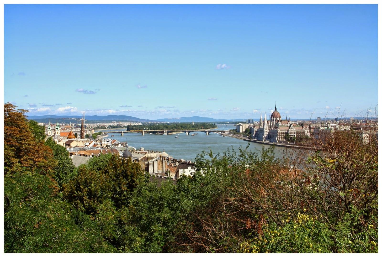 El Danubio y el Parlamento desde el Palacio Real, Budapest