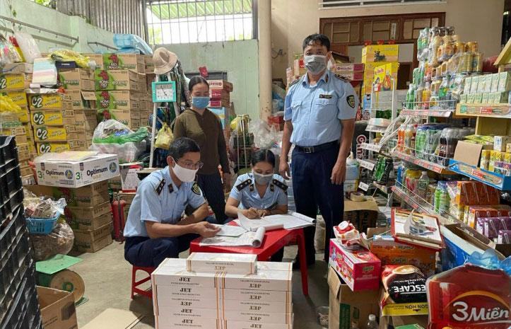 Bác Ái: Phạt hành chính hộ kinh doanh thuốc lá Jet nhập lậu