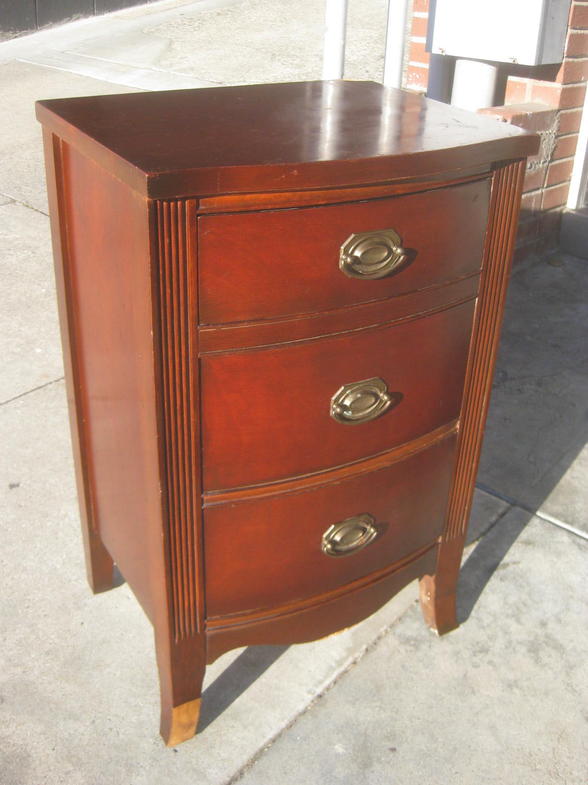 uhuru furniture collectibles sold mahogany night stand 45. Black Bedroom Furniture Sets. Home Design Ideas