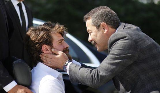 الحلقة 15 مسلسل اسطنبول ظالمة ....أغاه بك ينفي جيرين ونريمان من القصر!