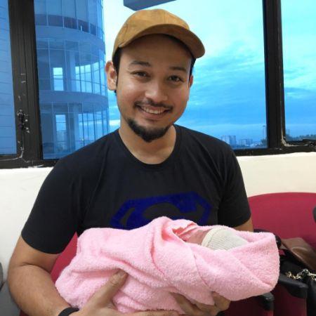 Yana Samsudin Selamat Melahirkan Bayi Lelaki