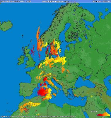 http://www.lightningmaps.org/