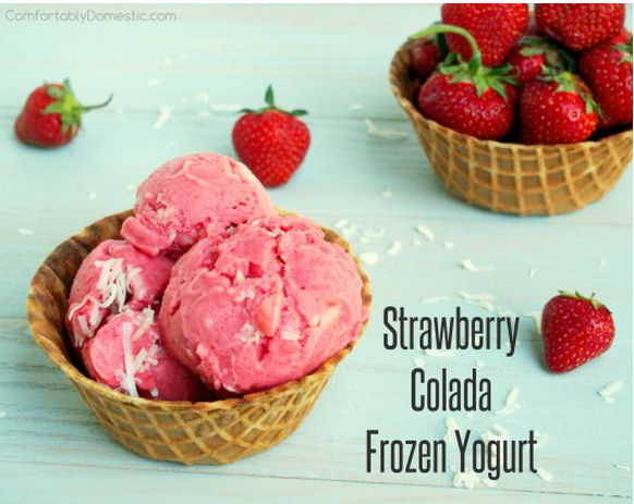 Strawberry Colada Frozen Yogurt | Comfortably Domestic