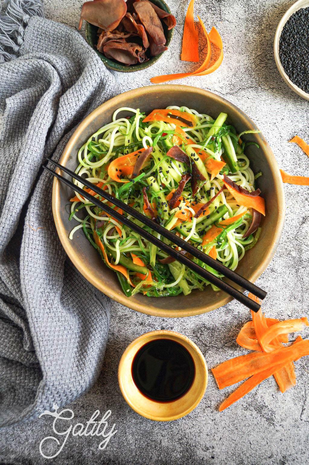 Makaronowa sałatka  z wakame