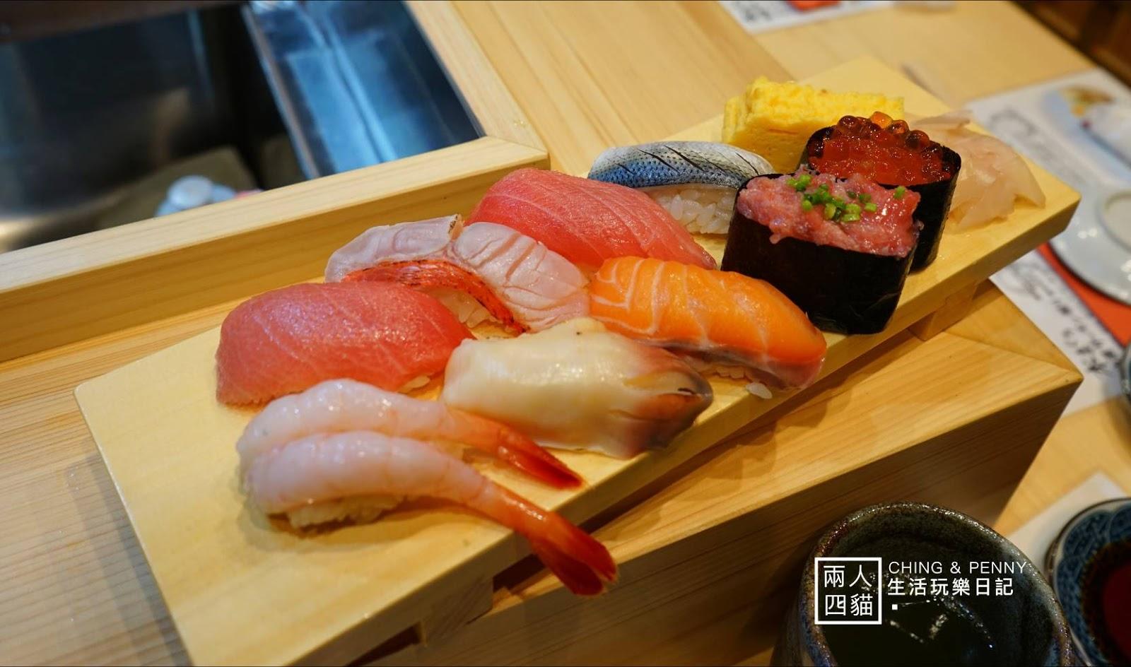 【東京|美食】晚上到築地吃生魚片-四月新開幕【築地 拳母鮨】好吃鮭魚丼飯+握壽司(含菜單)