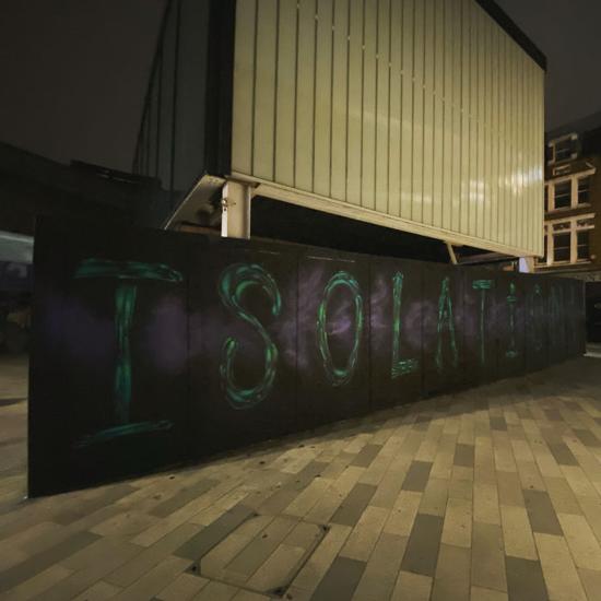 graffiti corona isolasi