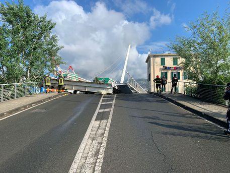La Spezia: crolla ponte levatoio di una darsena, nessun ferito