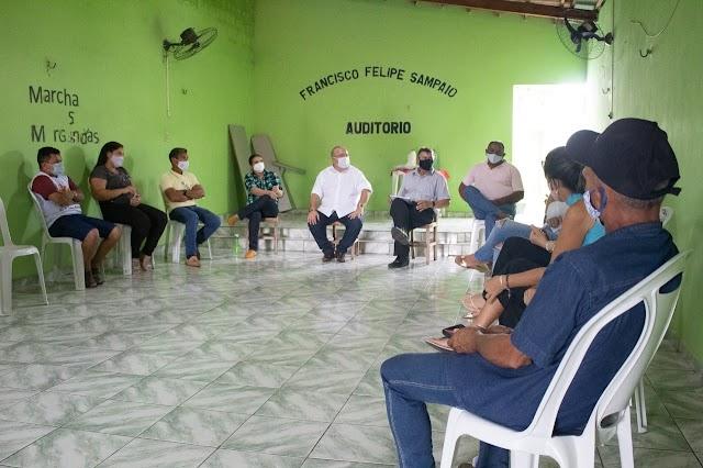 Prefeito participa de reunião no Sindicato dos Trabalhadores Rurais e ressalta autonomia da instituição