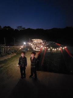 露營就像育兒  亦需要全家動起來 一起來感受這釋放壓力嘅一個活動