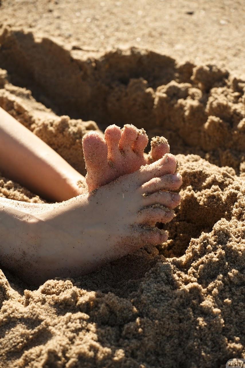 [Zishy] Sloan Kendricks - Weekday Beach Day - idols