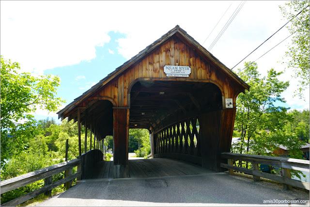 Puente Cubierto Squam River Bridge en Ashland, New Hampshire