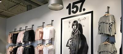Bild inne i en Lager 157-butik